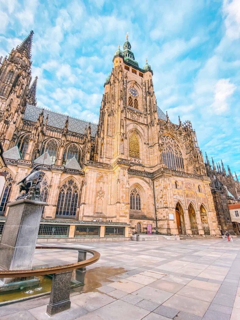 Katedra św. Wita widok od strony południowej